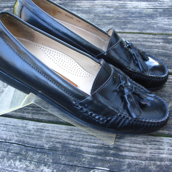 89ae52359ab6c Cole Haan Shoes | Black Leather Tassel Loafers Mens 10d | Poshmark